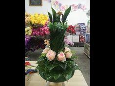 Gubahan Sirih Junjung Setinggi 50cm menggunakan sirih segar - YouTube Glass Vase, Floral Wreath, Wreaths, Youtube, Crafts, Design, Home Decor, Homemade Home Decor, Flower Crowns