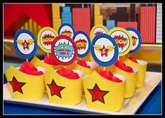 Wonder Woman Party | Cupcakes