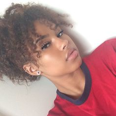 Shared by Curiouus. Find images and videos about girl, beautiful and curly hair on We Heart It - the app to get lost in what you love. Beauty Makeup, Hair Makeup, Hair Beauty, Protective Hairstyles, Cute Hairstyles, Hairstyle Ideas, Hair Inspo, Hair Inspiration, Character Inspiration