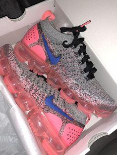 Nike Cortez sneakers in retro leather Jordan Shoes Girls, Girls Shoes, Ladies Shoes, Cute Sneakers, Shoes Sneakers, Sneakers Adidas, Women's Shoes, Boy Shoes, Sneaker Heels