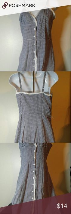 Reitmans Cute Summer Dress Like New Reitmans Cute Summer Dress Sz 3-Length is 39.5 inches from Shoulder to Hem-Shoulder Straps are Adjustable. Reitmans Dresses