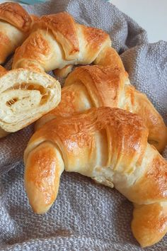 International Recipes, Bagel, Bread, Foods, Food Food, Brot, Breads, Bakeries