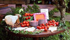 Festa italiana - mesa de antipasti - tomates ( Produção e buffet: Maria Antonia Bocayuva )