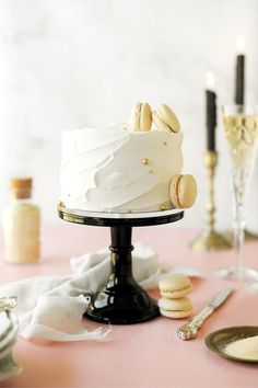 Easy Cakes To Make, How To Make Cake, High Altitude Cake Recipe, Cupcake Flower Bouquets, White Velvet Cakes, Champagne Cake, Cake Carrier, Light Cakes, Sugar Cake