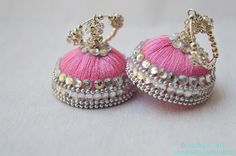 Silk Thread Jumkas, Silk Thread Bangles Design, Silk Thread Necklace, Silk Bangles, Beaded Necklace Patterns, Thread Jewellery, Fabric Jewelry, Jewelry Patterns, Kundan Bangles
