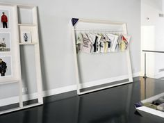 les cadres exhibition design