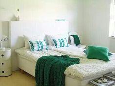 Dormitorio blanco y verde