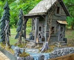 Carved  log  cabin