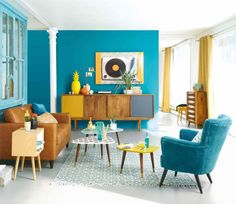 Previous Next Vintage Style Modern Retro Living Room Ideas Let's move to the heart-wining designing of the living room with this fantastic retro-style idea. This beautiful retro-style plan will be suitable for both small living room … Living Room Plan, Retro Living Rooms, Colourful Living Room, Small Living Rooms, Living Room Decor, Living Room Vintage, Living Room Turquoise, Modern Living, Living Room With Color