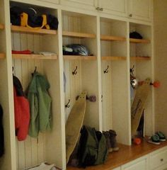 Laundry Room Mud Room Design, Pictures, Remodel, Decor and Ideas - page 2 Mudroom Cubbies, Narrow Shelves, Laundry Room Design, Fashion Room, Home Organization, Home Projects, Lockers, Interior Design, Mud Rooms
