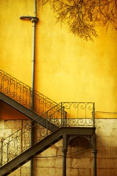 65 Ideas dark art photography stairways for 2019 Shades Of Yellow, Yellow And Brown, Mellow Yellow, Orange Yellow, Mustard Yellow, Color Yellow, Pink Lila, Aesthetic Colors, Yellow Walls
