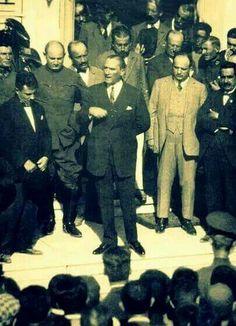 EFENDİLER; YOBAZLARA HOŞGÖRÜ GÖSTERMEK BİR TERBİYE GÖSTERGESİ DEĞİL, BİR MİLLETİN MUTLULUĞUNA ŞEREFİNE VE NAMUSUNA GÖZ DİKENLERE HOŞGÖRÜDÜR.. Mustafa Kemal ATATÜRK