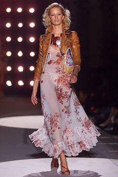 Roberto Cavalli Spring 2002 Ready-to-Wear Fashion Show - Karolina Kurkova…