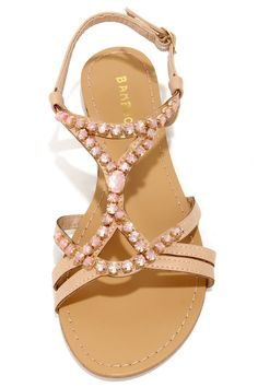 Sandals Summer - Cute Dresses, Trendy Tops, Fashion Shoes Juniors Clothing - There is nothing more comfortable and cool to wear on your feet during the heat season than some flat sandals. Dress Sandals, Flat Sandals, Girls Sandals, Flat Shoes, Flats, Peach Heels, Bridesmaid Sandals, Wedding Bridesmaids, Bridesmaid Dresses