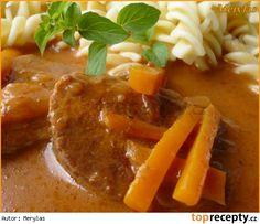 Vepřové maso s mrkví a rajčatovým protlakem z PH Thai Red Curry, Stew, Crockpot, Slow Cooker, Food And Drink, Menu, Ethnic Recipes, Ph, Menu Board Design