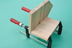 This diy step by step article is about how to build a bird house. Building bird houses out of wood is easy if you use the right decorative free plans and proper tools. Wooden Bird Houses, Bird Houses Diy, Diy Home Decor Projects, Diy Projects To Try, Building Bird Houses, Bird House Plans Free, Diy Step By Step, Woodworking Projects For Kids, Wood Pieces