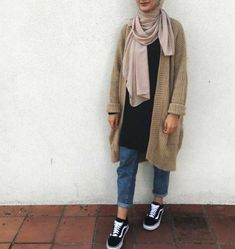 chunky oversized cardigan-New hijab fashion inspirational looks – Just Trendy Girls