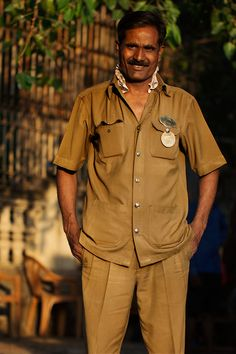 On the Street….The Bus Driver, Mumbai - http://pinterestcenter.com/on-the-street-the-bus-driver-mumbai/