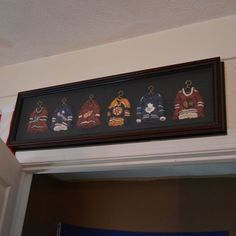 Great addition to any guy's room who is a hockey fan... Get Preppy College Dorm Room Ideas like this on Uscoop.com!