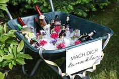 Garden party: decoration recipes and more Gartenparty: Deko, Rezepte und mehr Garden party wheelbarrow with saying to cool Garden Party Decorations, Garden Parties, Diy Decoration, Budget Meals, Budget Recipes, Money Budget, Budgeting, Birthday Parties, Backyard