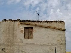 San Vito lo Capo, grondaia in terracotta messa in opera nella muratura