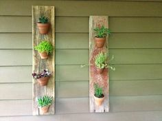 antique-barn-wood-potted-plants-vertical-design-ideas-outdoor-and-garden-decor-project-plans-and-tips