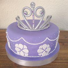 Sophia The First Cake! Princess Sophia Cake, Princess Sofia Birthday, Bolo Sofia, Sofia Cake, Sofia The First Birthday Cake, Sofia Party, Pretty Cakes, Cake Smash, Cupcake Cakes