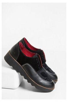 Chaussures noires en daim - Black Sheep Indie Découvre la collection  automne-hiver 2016 ! 06f8fcfaaaf6
