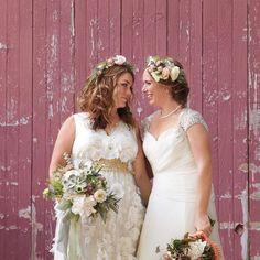Matching Flower Crowns Simple Flower Crown, White Flower Crown, Wedding Looks, Bridal Looks, Bridal Style, Headband Hairstyles, Wedding Hairstyles, Hairstyles 2016, Curly Hairstyles