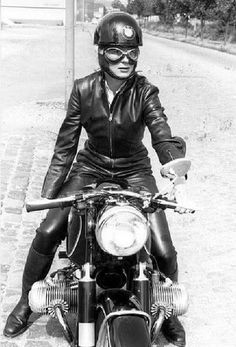 Anke-Eve Goldmann and her 1960 BMW R69S.
