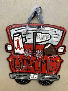 Roll Tide Football, Football Tailgate, Crimson Tide Football, Alabama Football, Alabama Crimson Tide, American Football, Alabama Door Hanger, Football Door Hangers, Truck Crafts