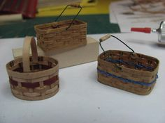 TUTORIAL: how to make miniature baskets from paper - these are really amazing, several posts, several types of baskets and handles  *********************************************  1inchminisbykris - #miniature #basket