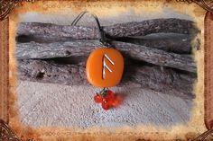 """Porte-clé runique porte-bonheur """"Os"""", de couleur orange : Porte clés par freyja-s-faeries"""