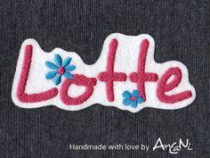 Aufnäher - Aufnäher Wunschname ♥ Applikation Name m. Blüten - ein Designerstück von AnCaNi bei DaWanda