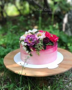 """좋아요 97개, 댓글 13개 - Instagram의 RHODE 로데플라워케이크(@rhode_flowercake)님: """". . . . ▫️design cake . . . #앙금플라워 #수제케이크 #플라워케이크 #베이킹클래스 #자수 #기념일케이크 #취미 #원데이 #리스 #플라워디자인 #디저트…"""""""