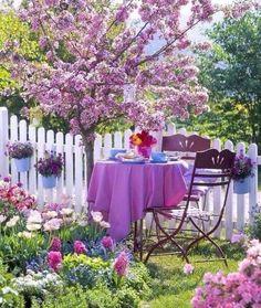 Cozy Backyard, Backyard Seating, Diy Flowers, Flower Decorations, Home Flower Arrangements, Garden Diy On A Budget, Vintage Garden Decor, Spring Is Coming, Winter Garden