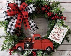 Christmas Truck, Christmas Door, Etsy Christmas, Plaid Christmas, White Christmas, Christmas Crafts, Etsy Wreaths, Holiday Wreaths, Christmas Decorations