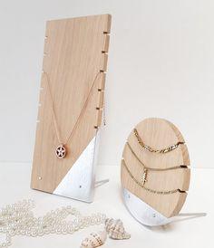 Hoi! Ik heb een geweldige listing op Etsy gevonden: https://www.etsy.com/nl/listing/469235649/necklace-display-for-craftshow-etalage