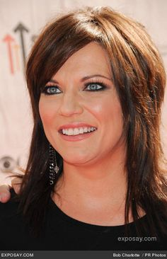 Songs by martina-mcbride Country Music Artists, Country Music Stars, Country Singers, Martina Mcbride, Short Shag Hairstyles, Cute Hairstyles, Female Singers, Medium Hair Styles, Beautiful People