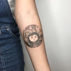 Hand Tattoos for Women . Hand Tattoos for Women . Hand Tattoo Images, Side Hand Tattoos, Hand Tattoos For Women, Tattoo Designs For Women, Future Tattoos, Body Art Tattoos, Sleeve Tattoos, Tattoos For Guys, Movie Tattoos