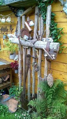 deko-aus-aesten-fuer-den-garten - - deko-aus-aesten-fuer-den-garten deco-of-tree branches-for-the-garden <!-- without result -->Related Post 55 sensationelle Balayage Haarfarbe Ideen Best Quic Old Garden Tools, Diy Garden Projects, Diy Garden Decor, Gardening Tools, Garden Ideas, Backyard Ideas, Back Gardens, Outdoor Gardens, Kew Gardens