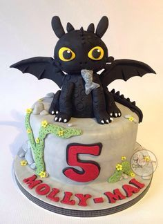 Toothless. Dragon cake for Molly-Mai