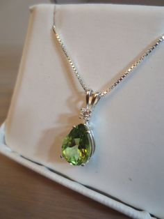 Peridot Pear and Round Diamond .10cttw.. by RLGemstoneElegance, $239.99