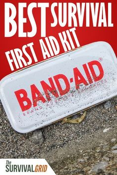 In an emergency, first aid is impo rtant. Looking for a good survival first aid kit? If you want to be prepared, check out our picks for the best survival first aid kit perfect for preppers, survivalists or shtf scenarios. Survival First Aid Kit, Survival Prepping, Survival Skills, Survival Gear, Survival Hacks, First Aid Kit Band, Best First Aid Kit, Survival Supplies, Emergency Supplies