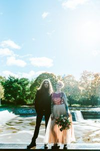 90s Grunge Meets Disney Wedding Ideas · Rock n Roll Bride https://goo.gl/7TvVX0
