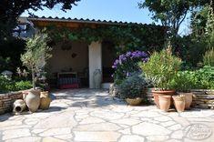 Outdoor Rooms, Outdoor Living, Outdoor Decor, Back Garden Design, Porch Garden, Run Around, House Goals, Back Gardens, Dream Garden