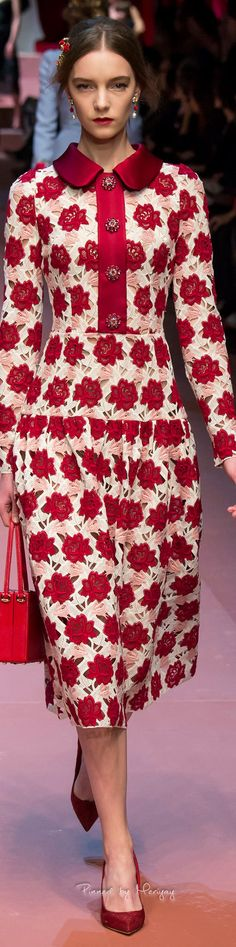 Dolce & Gabbana.Fall 2015. Can't go wrong when your collection celebrates Motherhood!!!