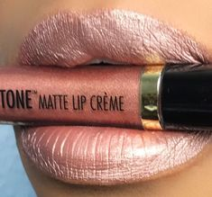 Black Radiance is a makeup brand designed by women of color and made to compliment all skin tones. Their Precious metals metallic lip kit will amaze you! Jeffree Star Liquid Lipstick, Drugstore Liquid Lipstick, Matte Lipstick Brands, Best Lipstick Color, Lipstick For Dark Skin, Metallic Lipstick, Lipstick Dupes, Best Lipsticks