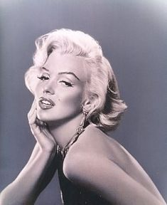 marilyn monroe.. perfection at its best