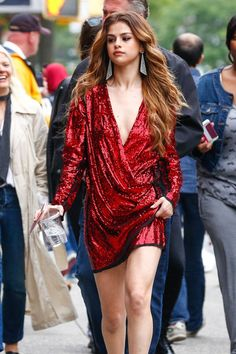 Selena Gomez red Sequins Wrap Cocktail Dress With Long Sleeves 2016 New York Vestido Selena Gomez, Selena Selena, Selena Gomez Red Dress, Selena Gomez Fotos, Selena Gomez Style, Selena Gomez Fashion, Divas, Sequin Cocktail Dress, Dresses Short